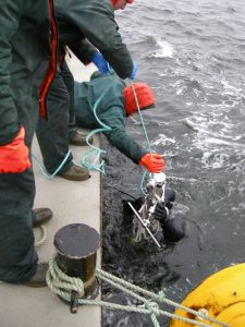 Diver recovering a sub-sea tension logger